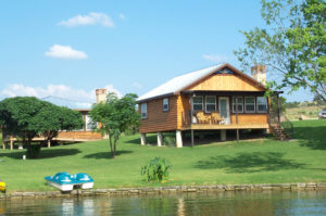 Cabin rentals by the lake